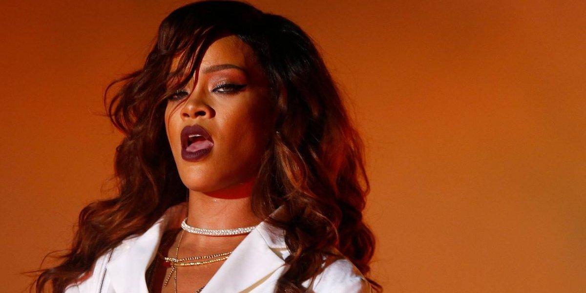 Rihanna demanda a su padre por uso de apellido para negocio