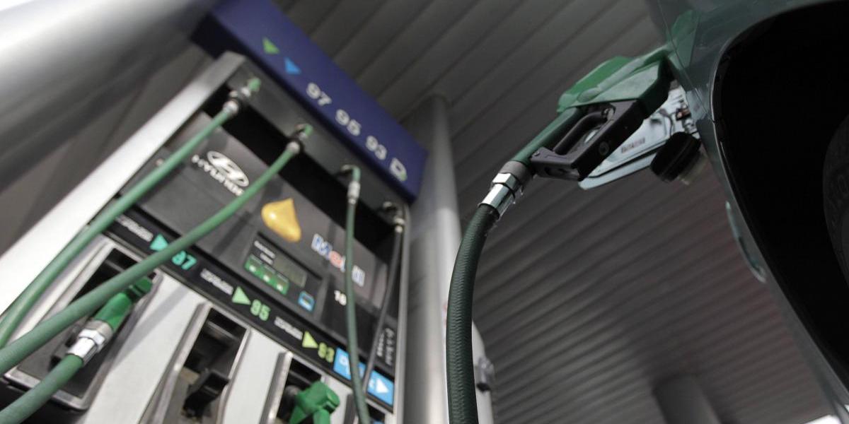 Precio de los combustibles registra nuevo retroceso este jueves