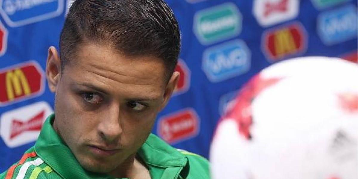 VIDEO: Los problemas que interrumpieron la conferencia de 'Chicharito' y Osorio