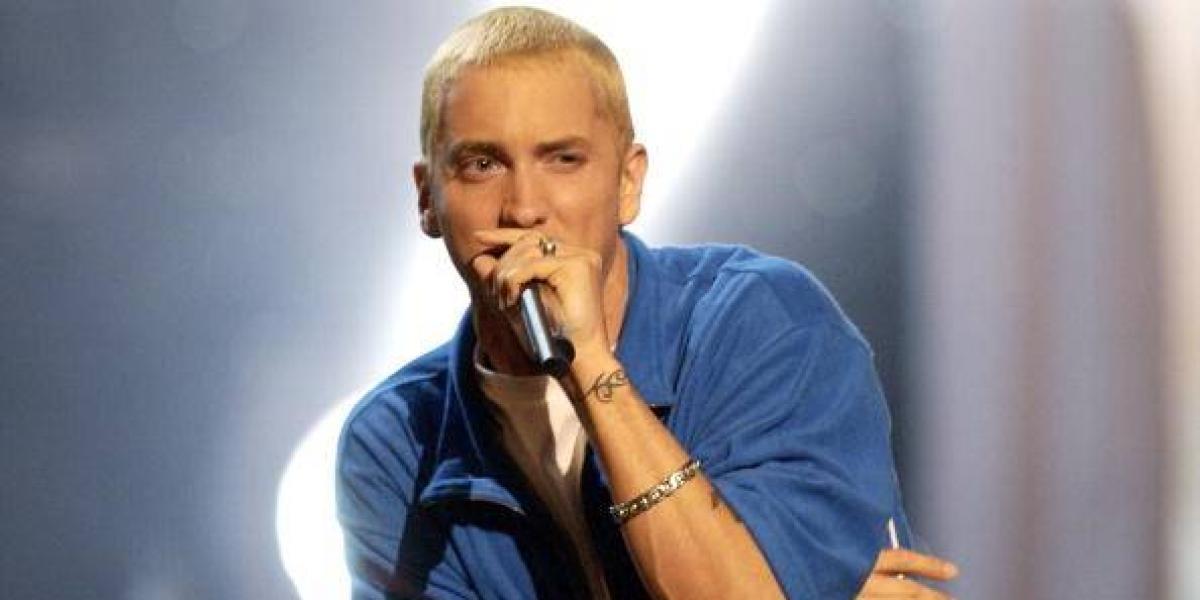 Eminem reaparece y sorprende con un cambio de look