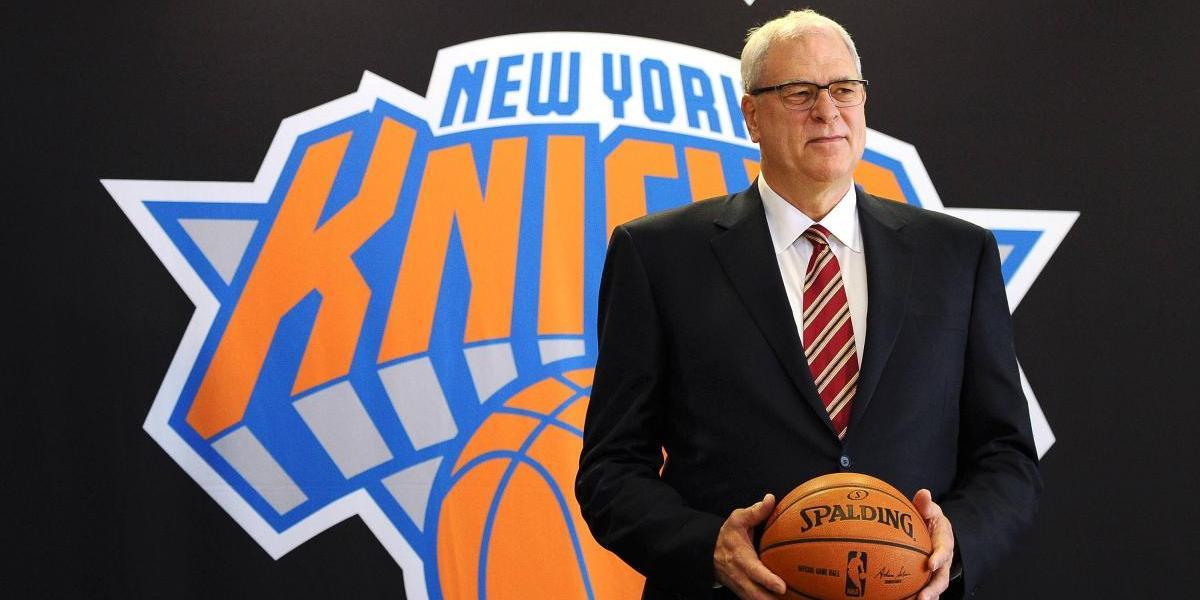 Phil Jackson sale de los Knicks tras tres temporadas