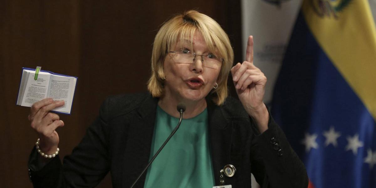 Tribunal prohíbe salir de Venezuela a fiscal general