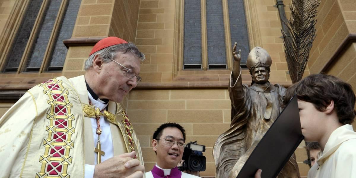 Acusan de pederastia a cardenal tesorero del Vaticano