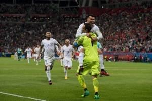 Chile celebró gracias a las manos de Bravo / imagen: Photosport
