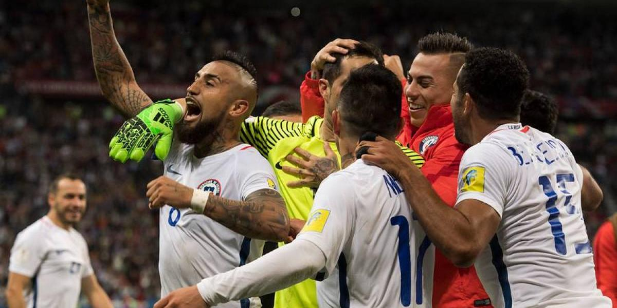 """Arturo Vidal y el vaticinio que hizo Bravo: """"Nos dijo que iba a atajar dos o tres penales"""""""
