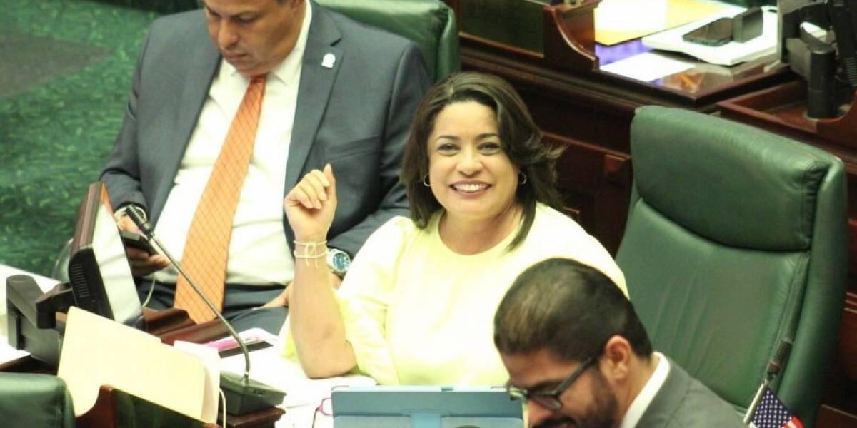 Vicepresidente de la Cámara asegura que Charbonier sigue en su puesto de legisladora