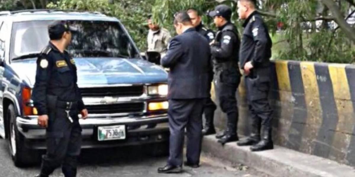 Se registra incidente entre PNC y ocupantes de un vehículo en zona 7