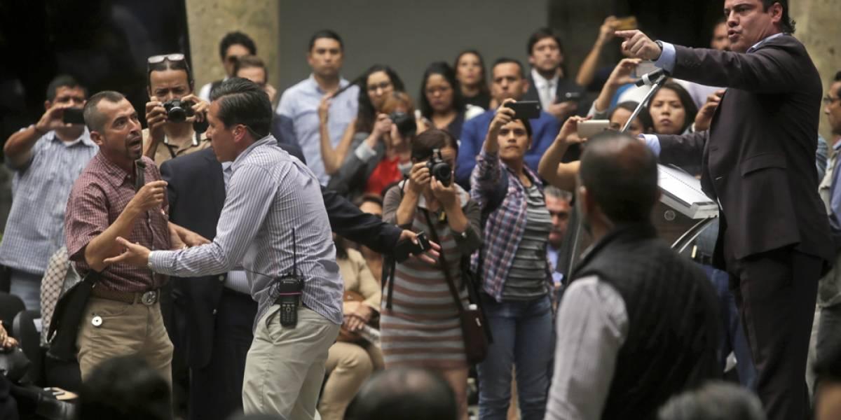 Increpan al Gobernador de Jalisco tras anunciar la inundación de tres pueblos
