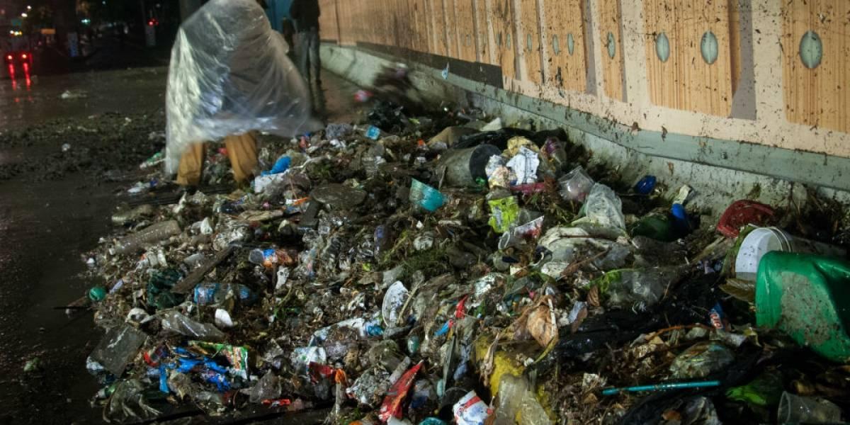 Dos toneladas de basura diarias en calles, causa de inundaciones en CDMX