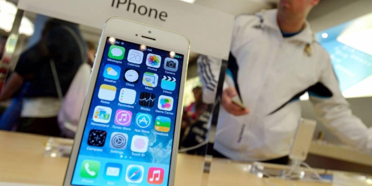 Entrevistan a Siri la voz de iPhone y confiesa que su celular no es de esta marca