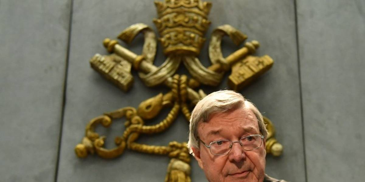 "El ""número tres"" del Vaticano es acusado de múltiples abusos sexuales infantiles"