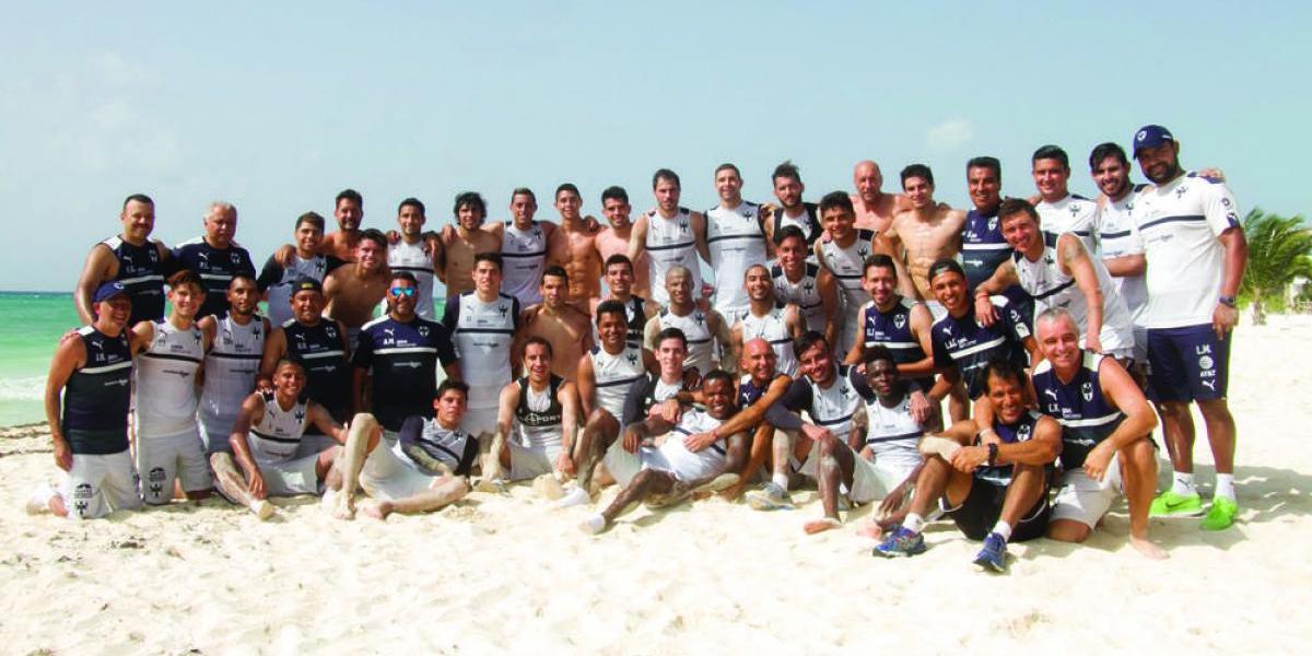 Termina Rayados su pretemporada en playa
