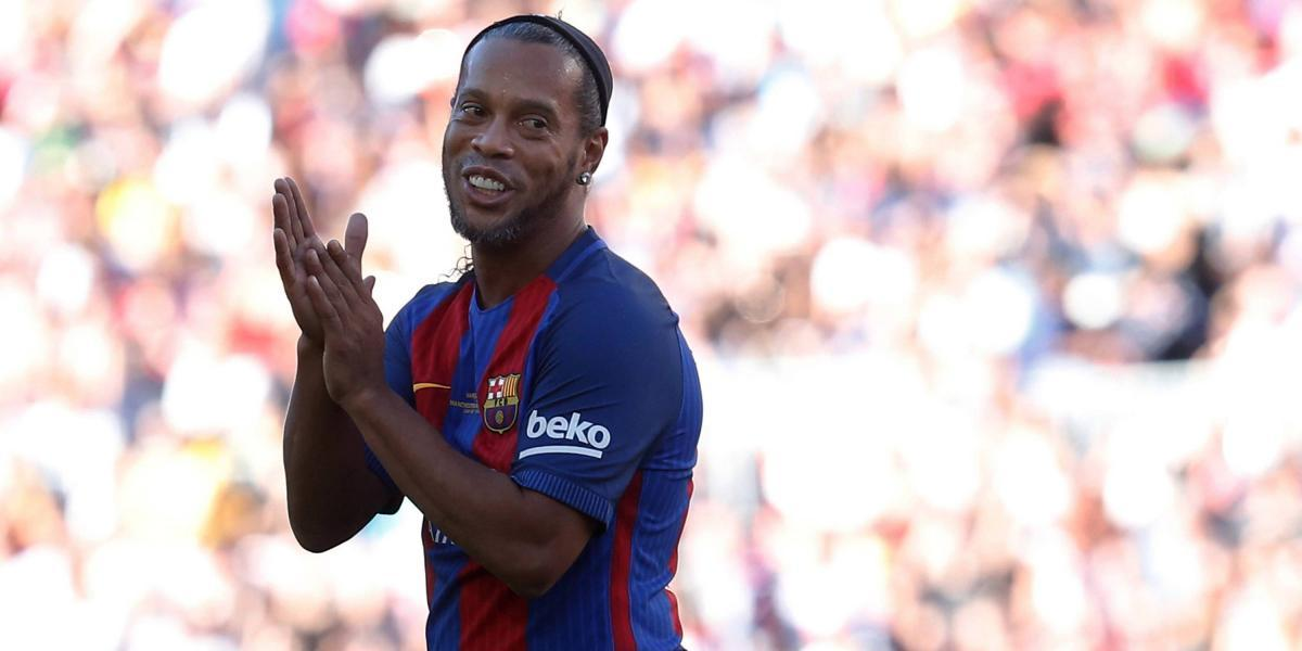 Tremendo baile el que le dio Ronaldinho a Blomqvist