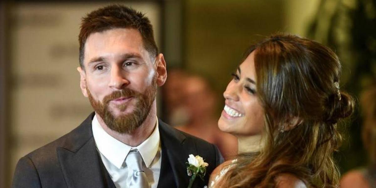 Las mejores fotos de Messi y Antonela en su boda y los besos de la pareja