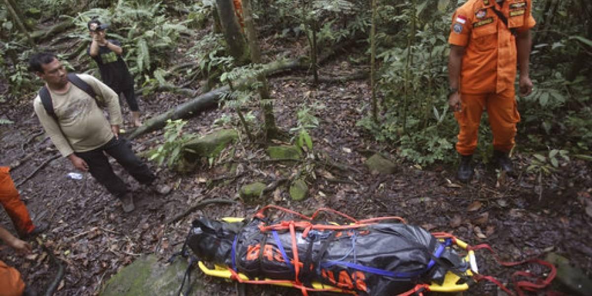 Recuperan cuerpo de montañista alemán en Indonesia