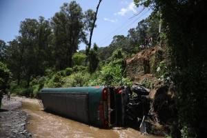 Bus embarrancado en Villa Lobos