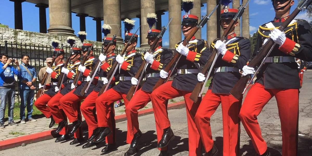 Presidente Morales suspende desfile del 15 de septiembre