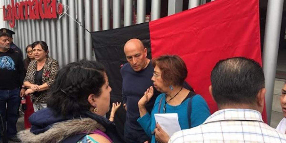 Sindicato inicia huelga en el periódico La Jornada