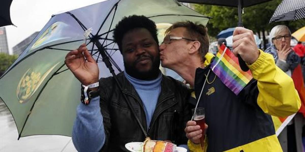 Alemania aprueba la legalización del matrimonio homosexual con el 'no' de Merkel