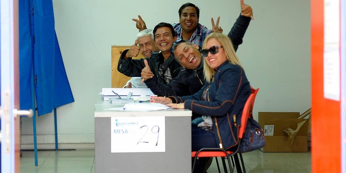 Primarias: cuándo, cuánto y cómo le pagarán a los vocales de mesa en Chile y el extranjero