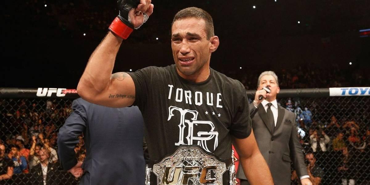 VIDEO: Peleador de UFC le da de beber su orina a Fabricio Werdum