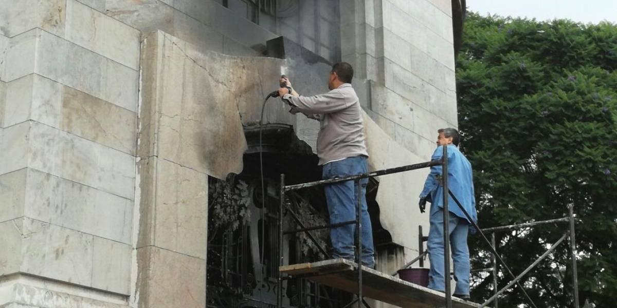 Incendio en el Palacio de Bellas Artes solamente dejó daños menores: INBA