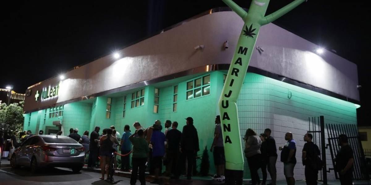Largas filas para comprar marihuana legal en Nevada