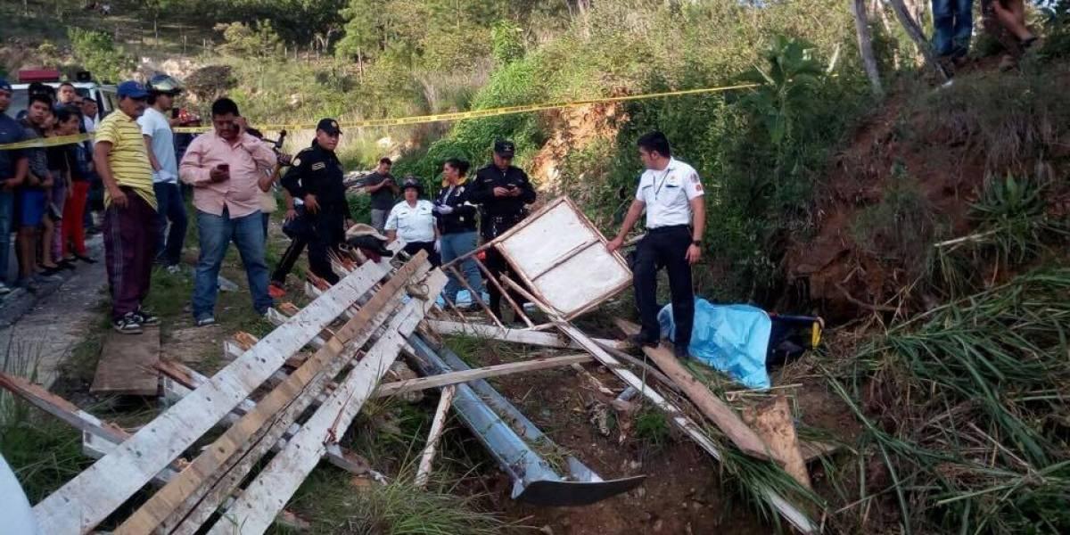 EN IMÁGENES. Accidente de tránsito deja al menos tres fallecidos en ruta a Mataquescuintla