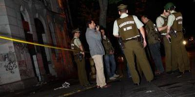 Encapuchados atacaron con bombas molotov oficinas de la DGAC en Quinta Normal