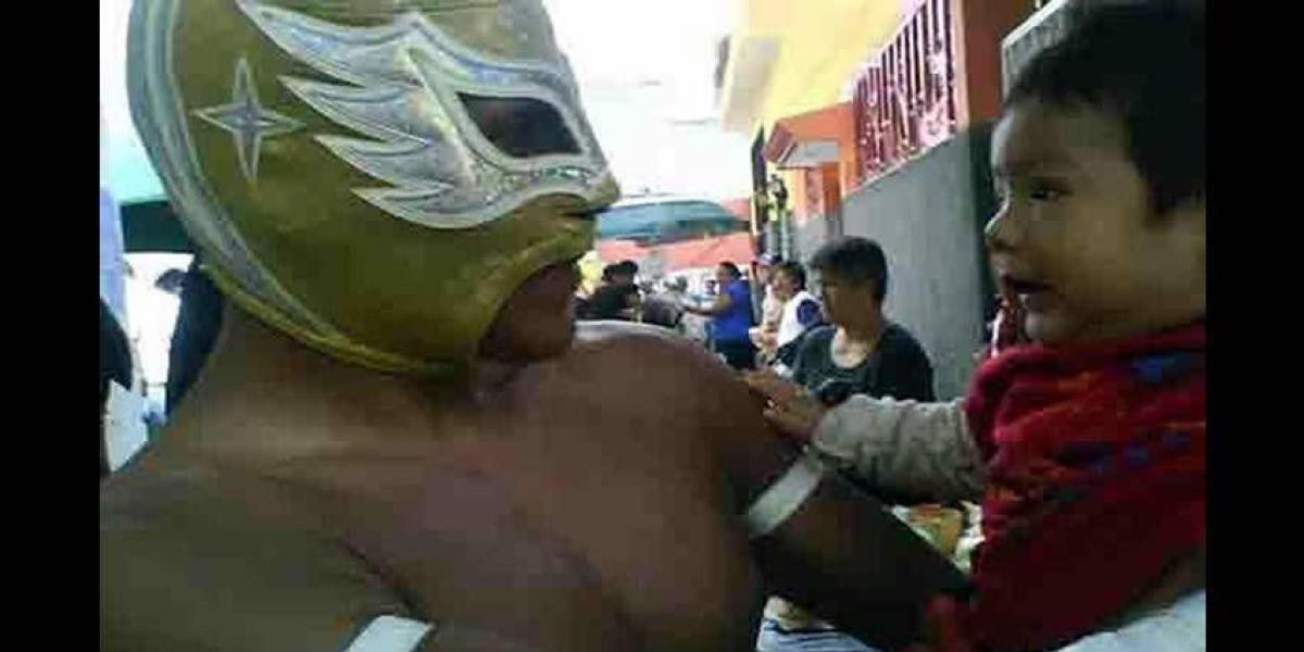 Muere luchador Cosmos al frustrar asalto como policía