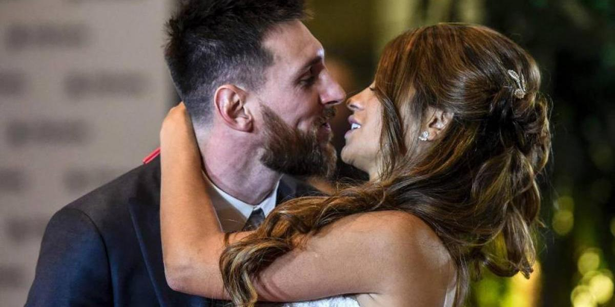 Critican beso de bodas de Messi y Antonela
