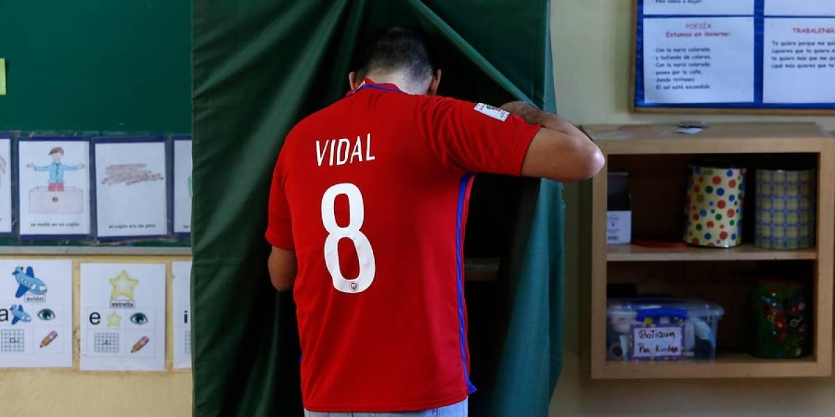 Primarias 2017: Alexis Sánchez y Arturo Vidal también llegaron a votar en medio de la final de la Copa Confederaciones