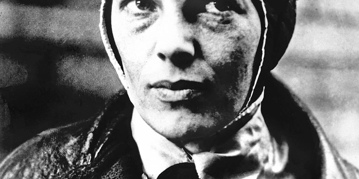Buscan restos de hace 80 años de aviadora Amelia Earhart