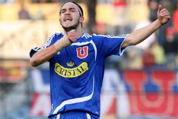 Mauricio Pinilla con la camiseta de la U en 2007 / Photosport