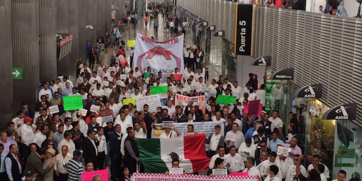 Protestan contra operación de Uber en el AICM