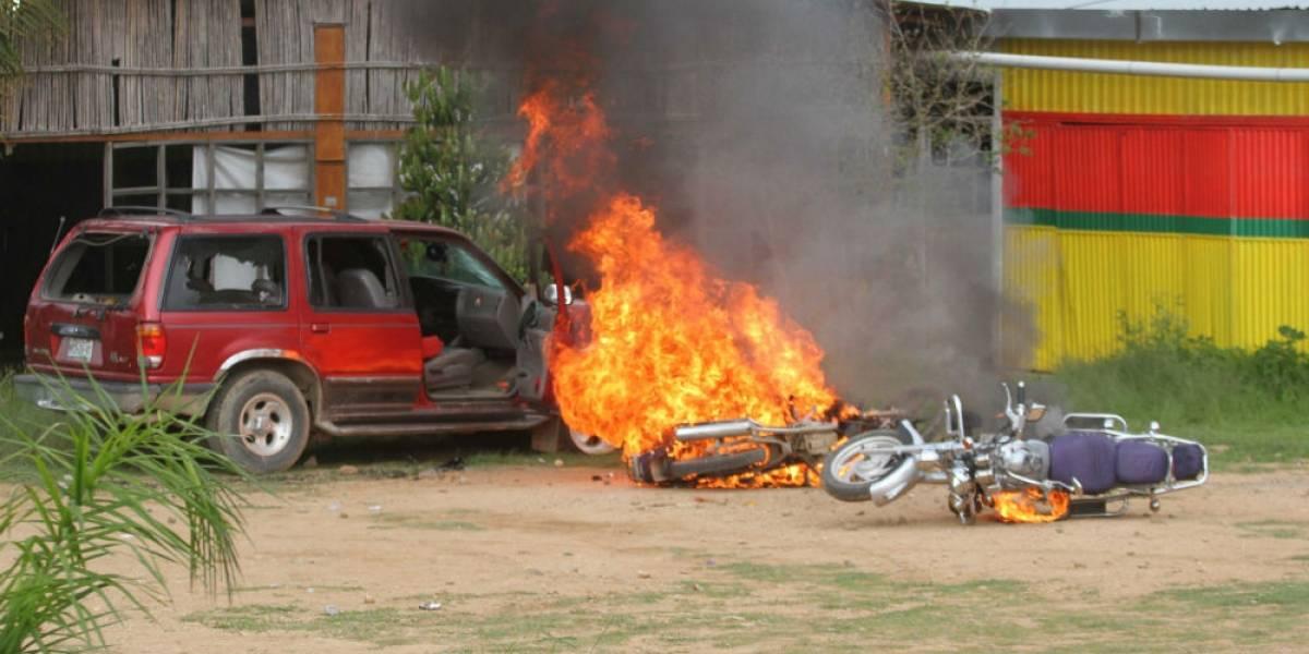 Queman casas y vehículos por enfrentamiento en Zaachila, Oaxaca