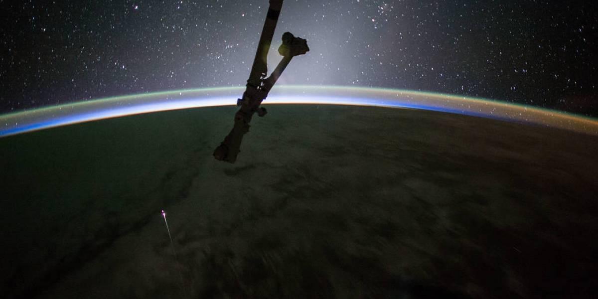 Nave Space X Dragon regresa a la tierra luego de reabastecer a la Estación Espacial