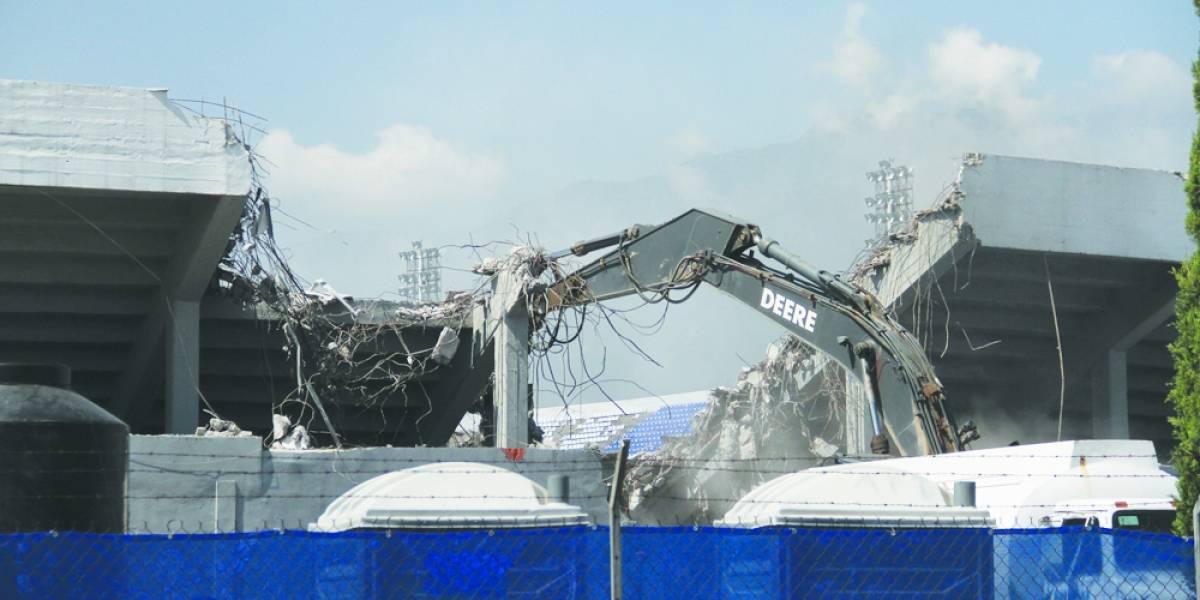Inicia demolición del Estadio Tecnológico