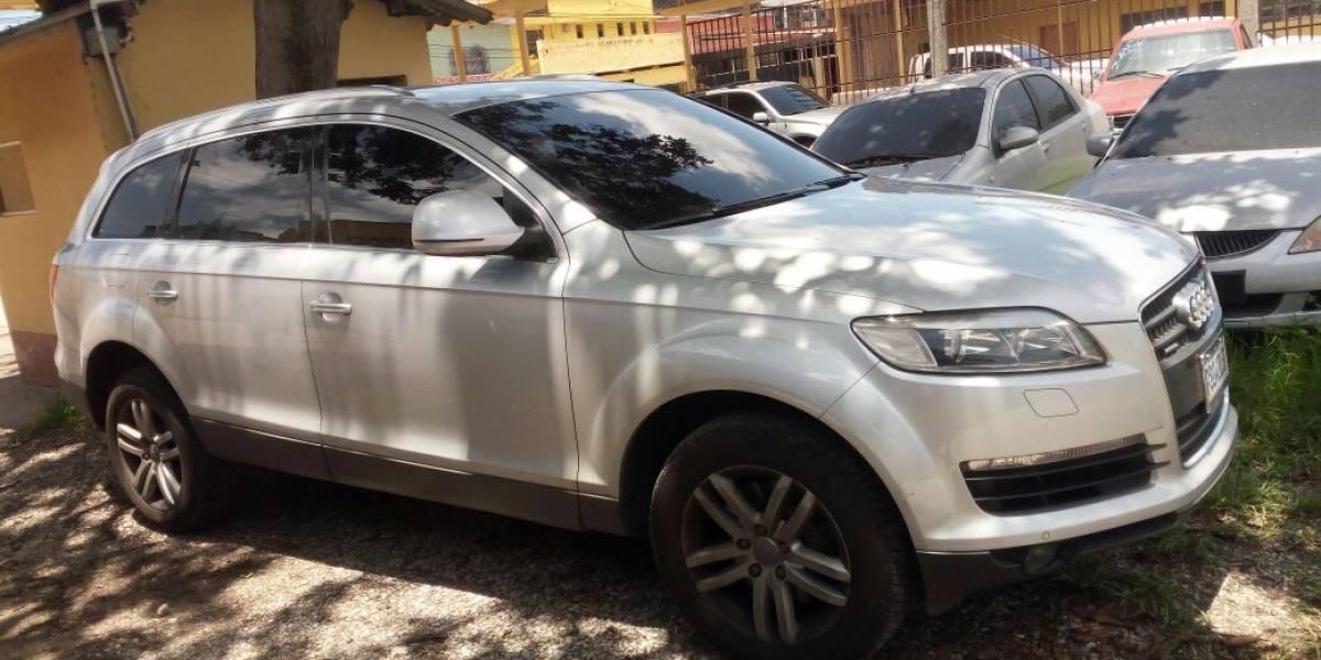 Interpol Guatemala recupera vehículos robados en Eslovaquia y México