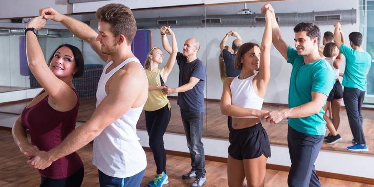 Aprende a bailar ritmos latinos en esta academia de baile en Guatemala