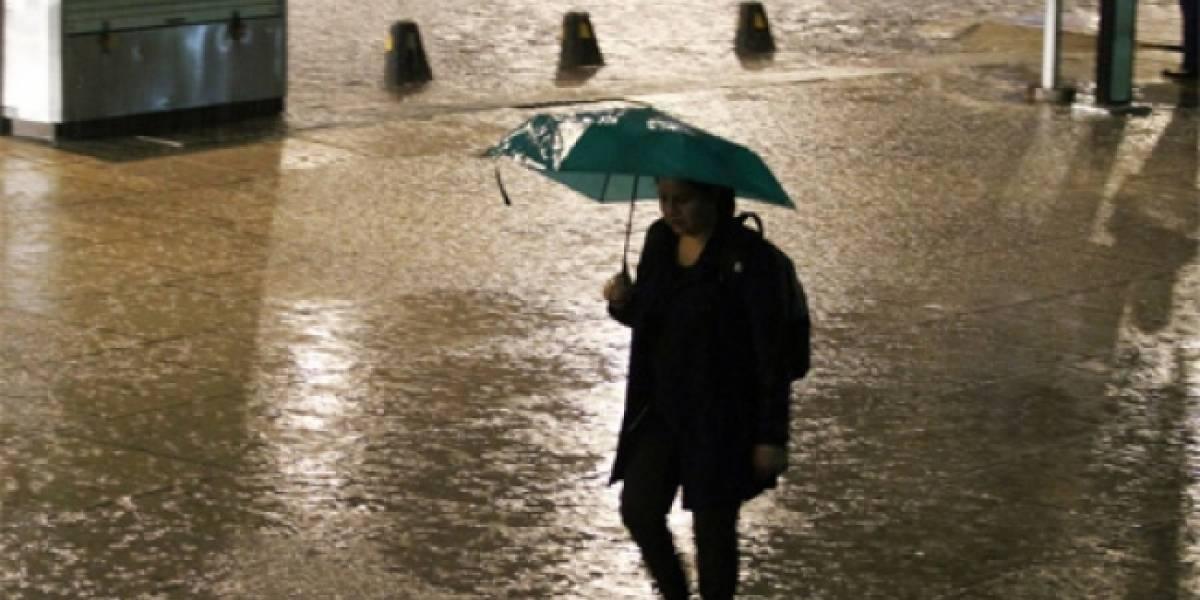 Lluvia matutina provoca encharcamientos, circulación lenta y accidentes en la CDMX