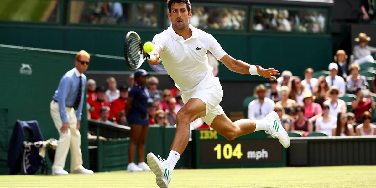 Djokovic y Federer avanzan en Wimbledon por lesiones de sus rivales