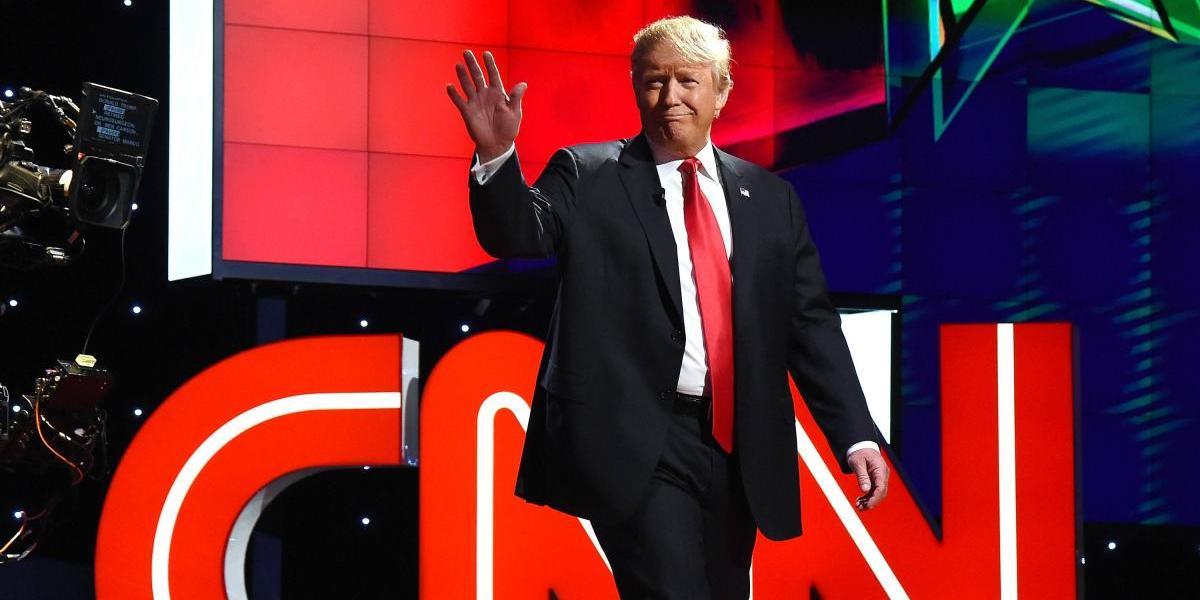 Más estadounidenses confían en CNN que en Donald Trump: encuesta