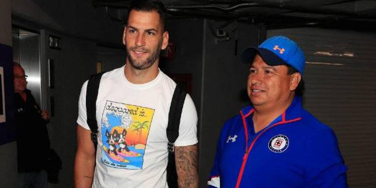Édgar Méndez aprueba exámenes médicos y está listo para reforzar a Cruz Azul