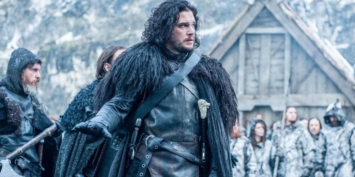 Jon Snow é expulso de bar em Nova York após beber demais e criar confusão