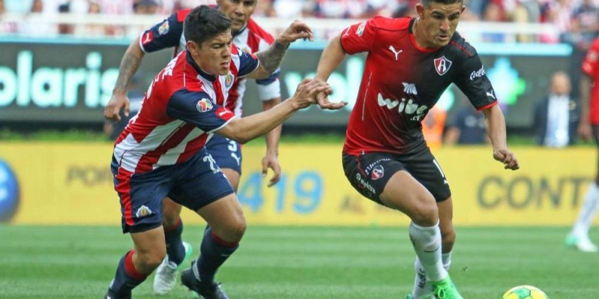 Chivas y Atlas se enfrentan en Clásico de pretemporada