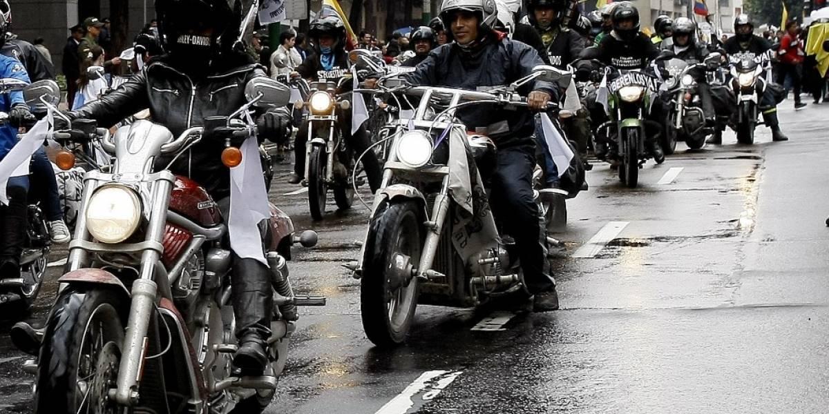 Mientras motociclistas protestan, Alcaldía anuncia que ya está listo proyecto de decreto sobre restricción de parrillero hombre