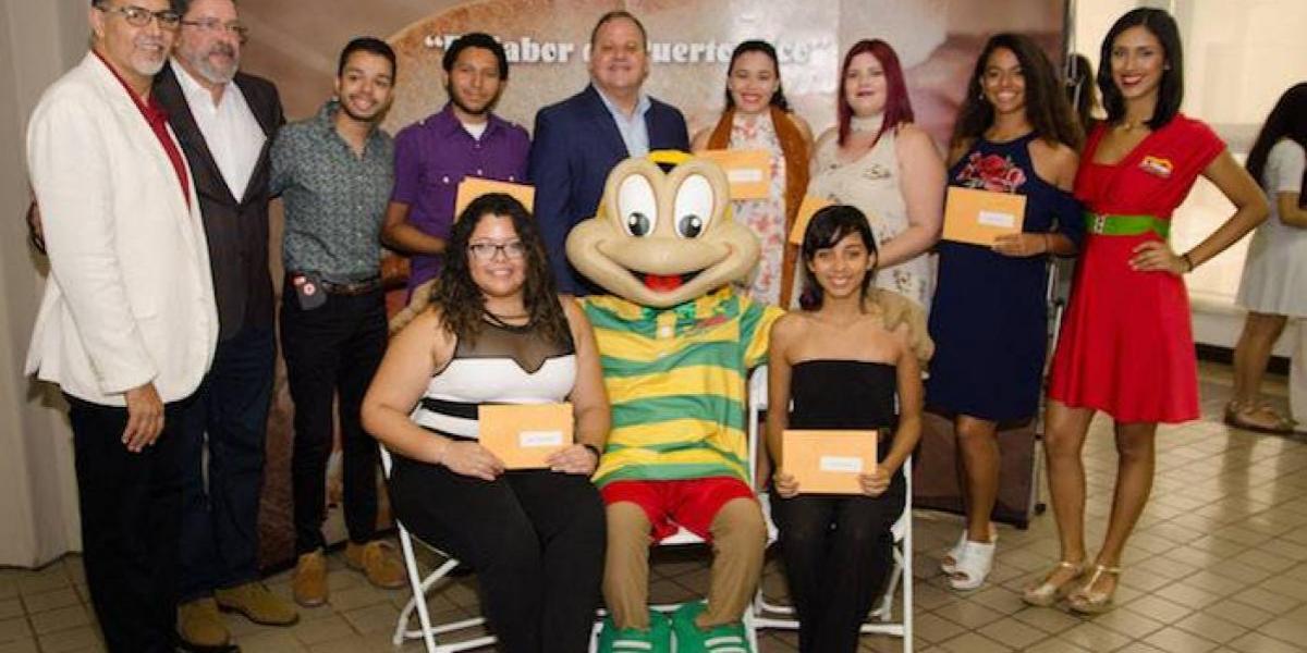 El Mesón Sándwiches beca a más de 50 estudiantes de la UPR