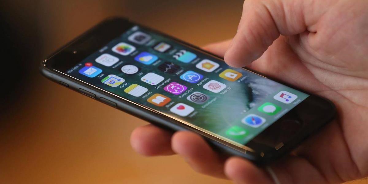 Esto podría pasarle a tu iPhone si no se actualiza con iOS 11