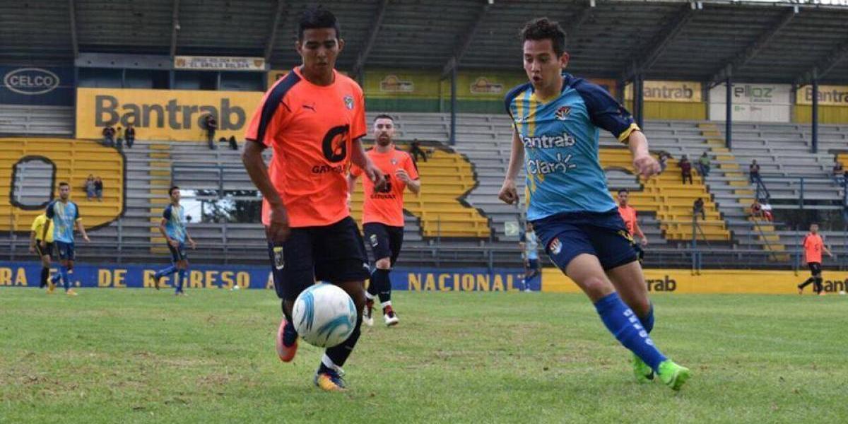 Hijo de Jimmy Morales toca una nueva puerta en el futbol nacional